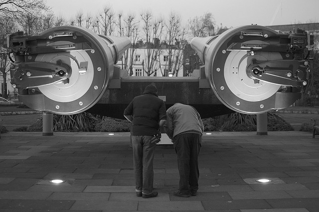 Rear view of the guns at the Imperial War Museum, Lambeth. Photo by tubb