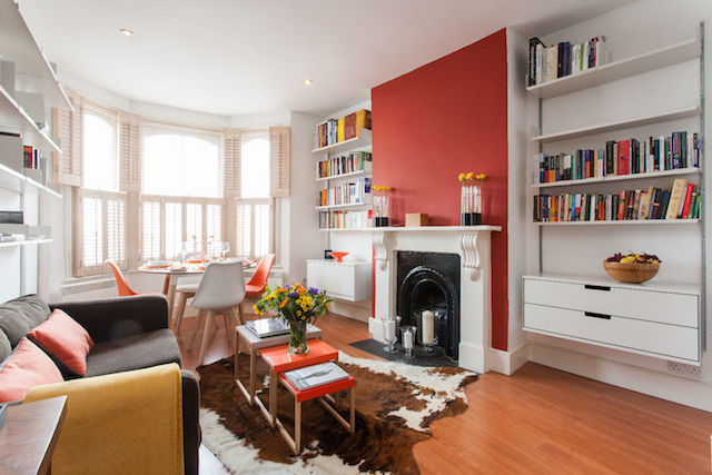 This seriously pretty flat in Greenwich could be the starting point for your river walks.