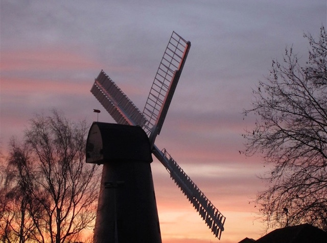 Brixton Windmill at sunset. Photo: psyxjaw (2012)