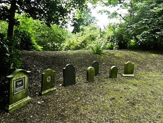 A pet cemetery in the grounds of Marlborough House.