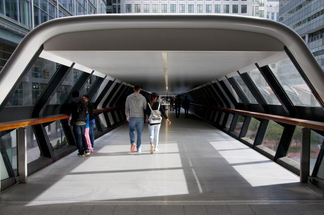 Futuristic connecting walkway between the Crossrail station and One Canada Square. Photo by Andy Thornley.