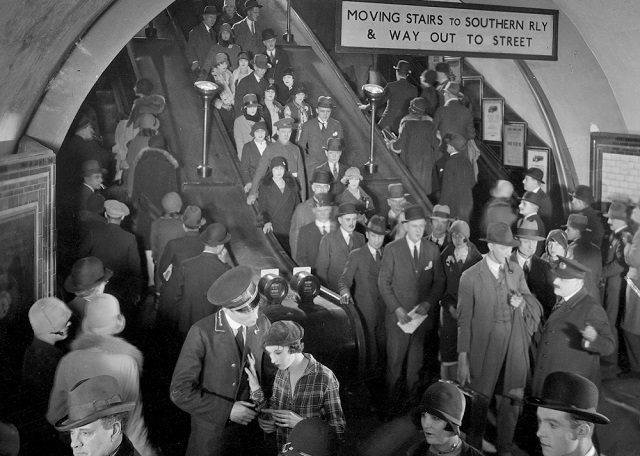Underground (1928) by Anthony Asquith