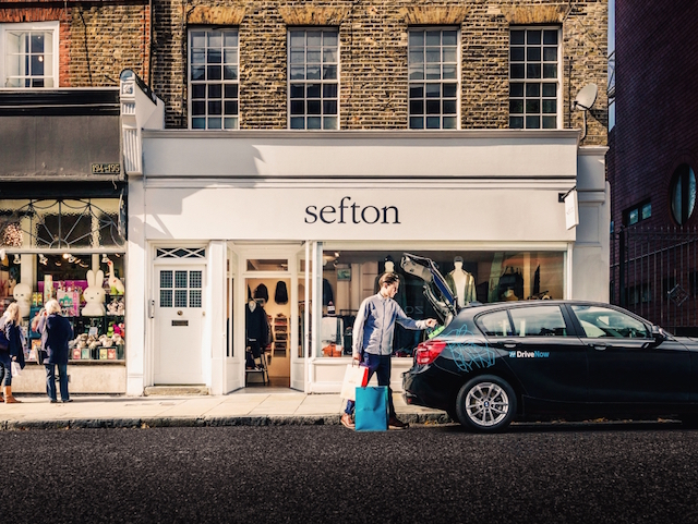 drivenow_bmw_1series_london_sefton_shopping2_jpg_prev_0