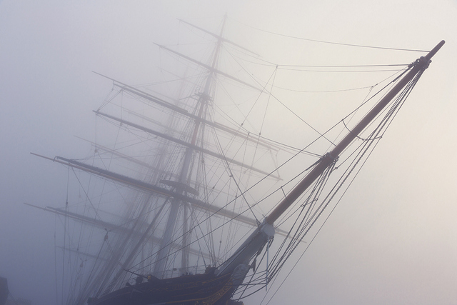 Cutty Sark slices through the fog. Copyright Albert Zhang.