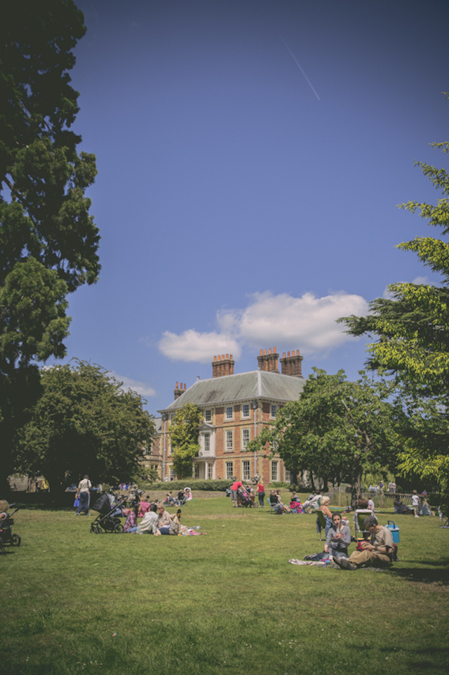 Beautiful grounds to relax, picnic and play in