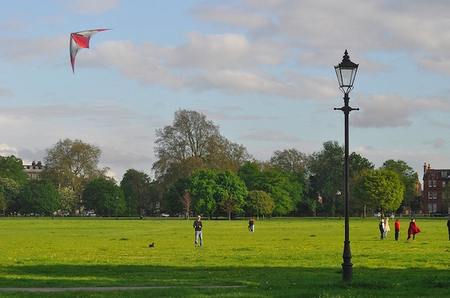 Clapham Common. Photo: stevekeiretsu (2014)
