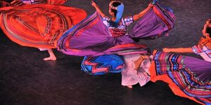 Ballet Folklorico De Mexico: Sizzling Hot Dance At The Coliseum