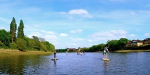 Adventurers Paddle The Thames For Science And Charity