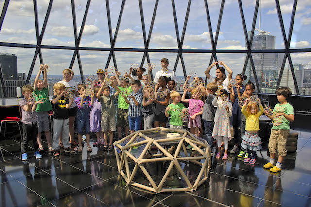 Building a geodesic dome at the Archikids Festival