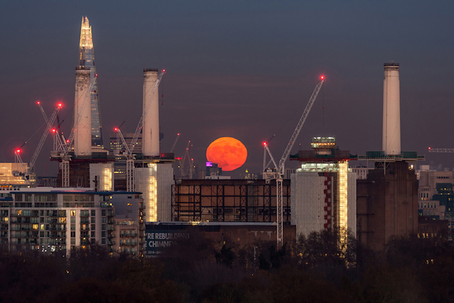 Battersea red moon, December 2014. This image got picked up by a good few newspapers as well as the Royal Observatory. It's not a classically beautiful photograph but a fascinating study in perspective and scale. Too good for some, as I read with pleasure many comments calling it a fake.