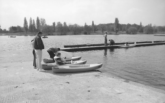 LB Bexley, Kayaking in Danson Park, 2003 (LB Bexley Local Studies and Archive Centre)