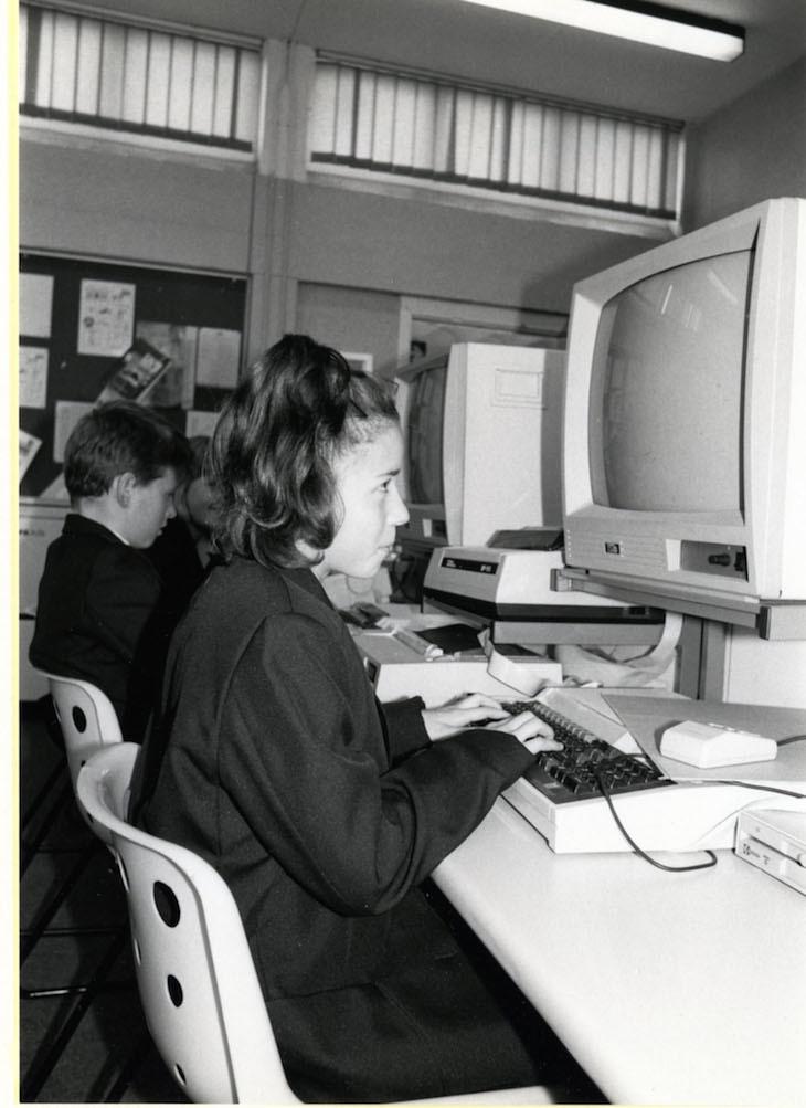 bexley_81_16_cleeve_park_school__sidcup-_1988.jpg