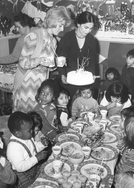 brent_-_christmas_party_at_bertie_road_nursery_1975_-_1967_web.jpg