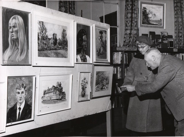 LB Bromley, art club exhibition, West Wickham Library, 1966 (Courtesy of Bromley Times/Kentish Times)