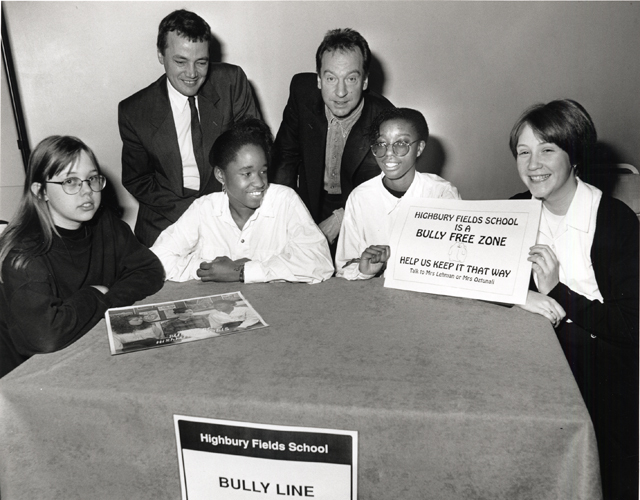 islington_highbury_fields_school_-bully_free_zone-_1990-s.jpg