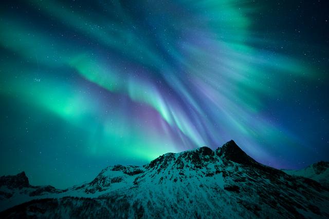 Another aurora shot - just because. ® Rune Engebo