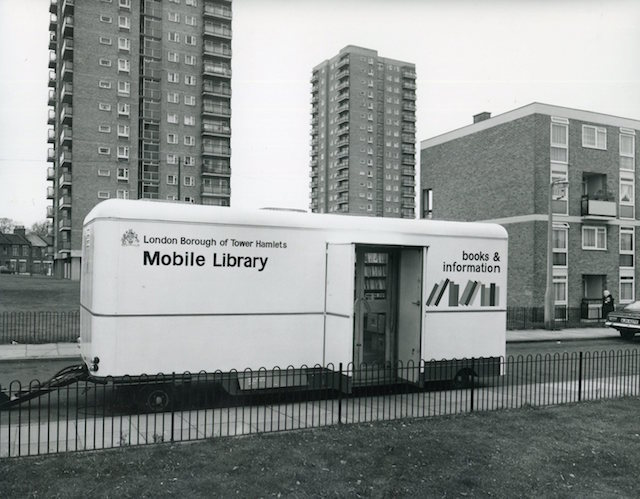 LB Tower Hamlets, council mobile library on the Locton Estate, Old Ford, 1971 (© London Borough of Tower Hamlets)