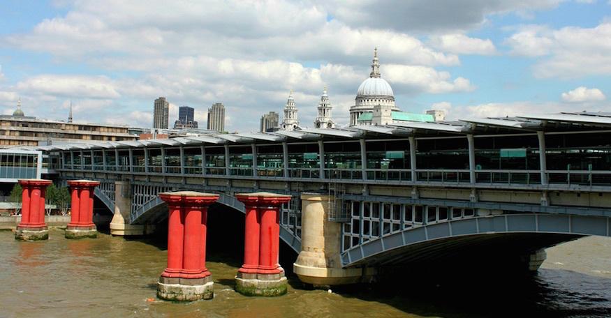 What Are The Red Pillars Next To Blackfriars Bridge