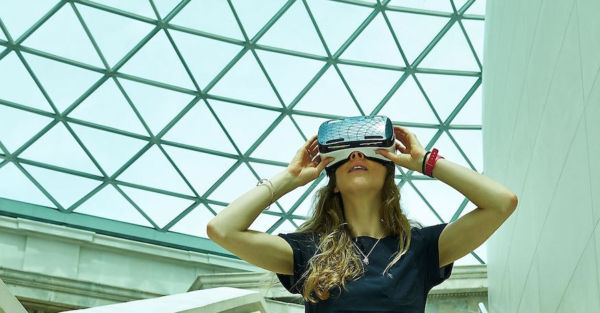 i-_model_wears_a_samsung_gear_vr_headset_in_the_british_museum-s_great_court-_-_the_trustees_of_the_british_museum.jpg