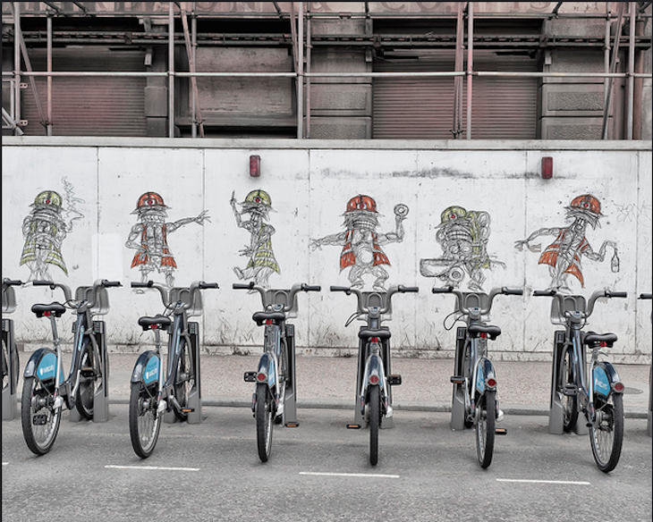 Street art and Boris bikes. Photo: Captured_moment (2011)