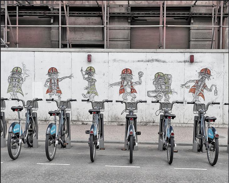 Street art and Boris bikes. Photo: Captured_moment (2011)