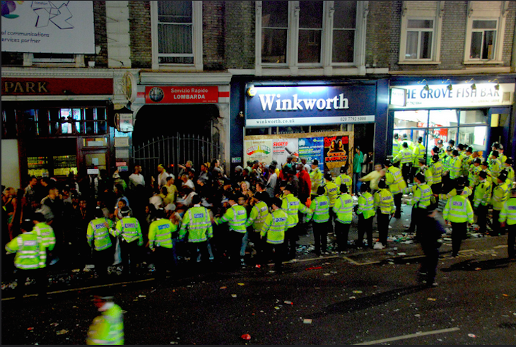 There was a long queue for the fish bar at Notting Hill 2008. Photo: Jess (2008)