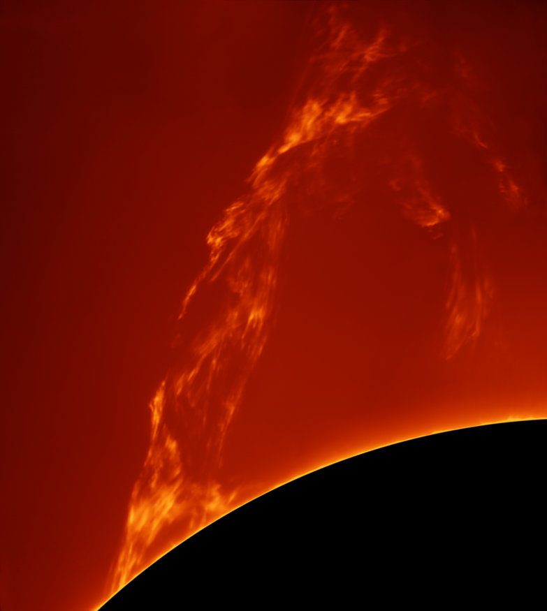 huge_prominence_lift-off_-_paolo_porcellana.jpg