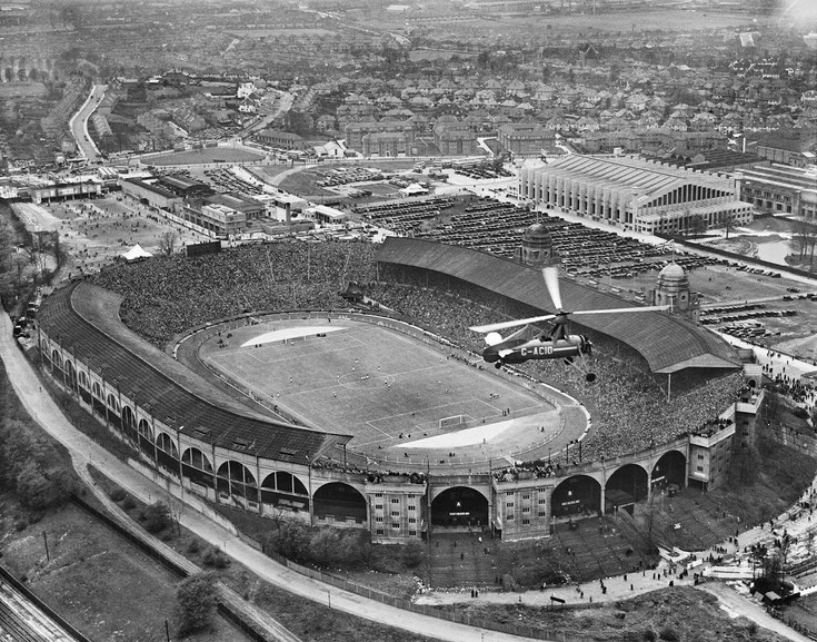 1935_cup_final__empire_stadium_-later_wembley_stadium-__brent_london__1935_c_historic_england.jpg