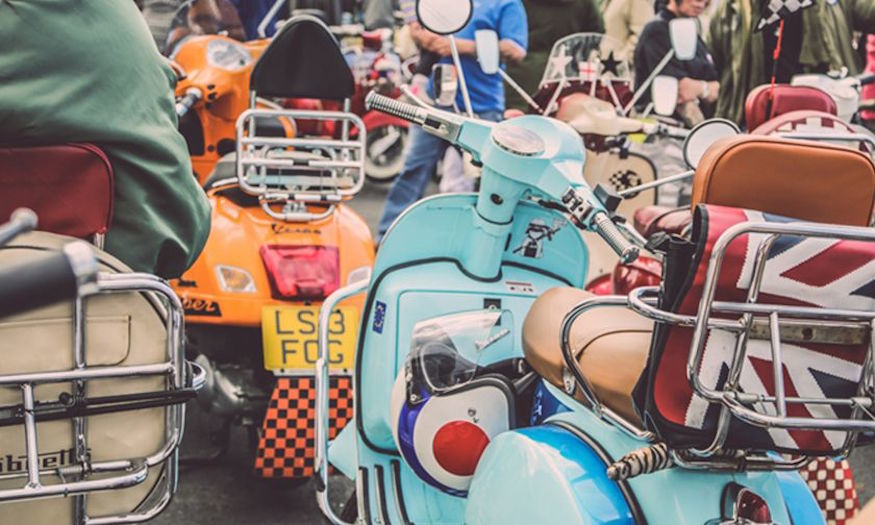 This weekend the car boot sale gets glam & Deal Of The Day: All Things Vintage At Classic Car Boot Sale ... markmcfarlin.com
