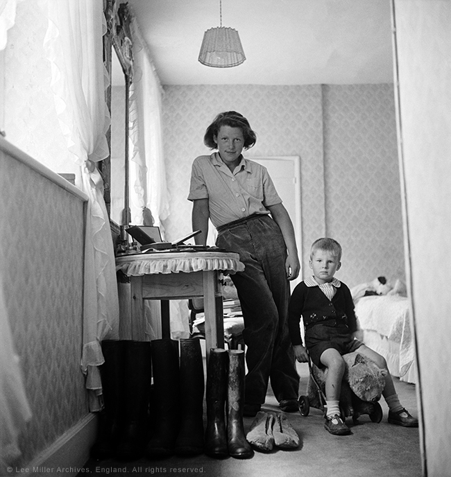 Lady Mary Dunn and young evacuee. Buckinghamshire, England, 1941 by Lee Miller. (c) Lee Miller Archives, England 2015