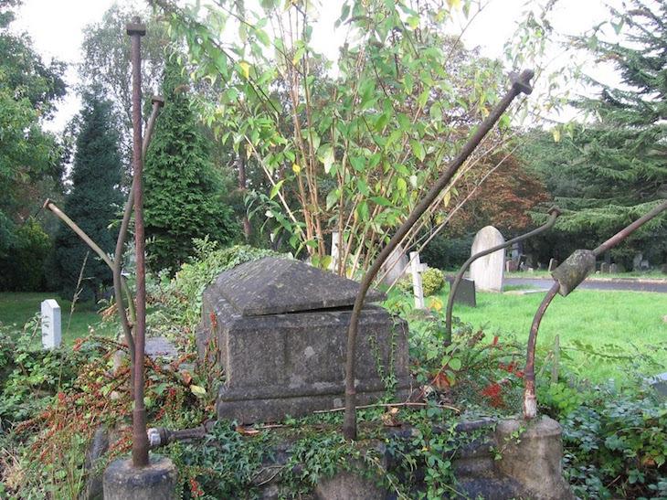 west_norwood_cemetery_moffatt_1357922_24-09-2014_099_-3.jpg