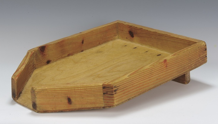 wooden_board_for_koshering_meat_by_draining_blood_c-1955_-c-_jewish_museum_london_-2.jpg