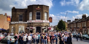 7 Awesome London Pub Crawls