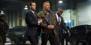 "Film Review: Kevin Costner Gets Criminal In ""Romantic"" Deptford"