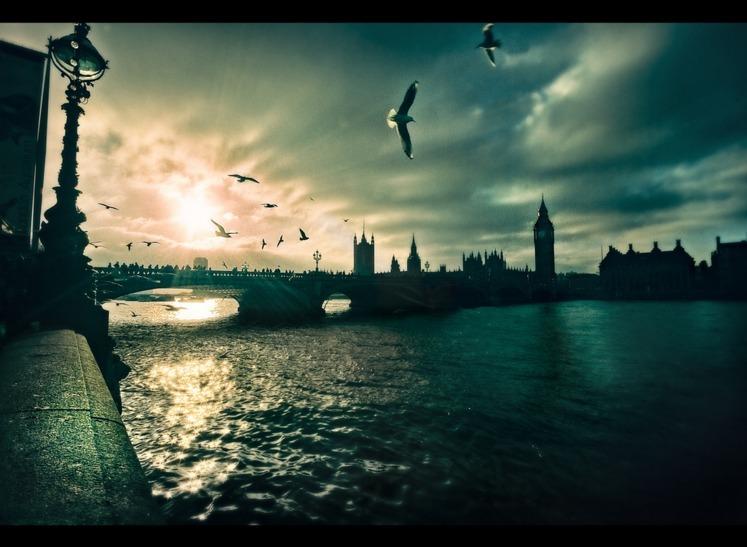 Len Deighton's London Dossier, Chapter 4: River
