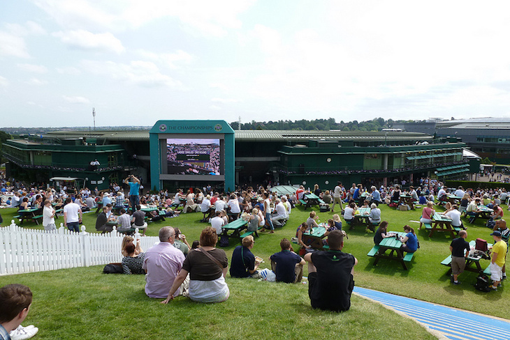 Grounds Passes and Show tickets are both available on the day for Wimbledon Tennis Tournament - if you join a queue