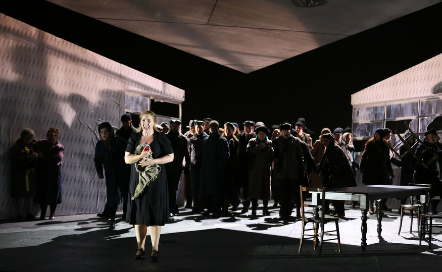 Laura Wilde as Jenůfa and the English National Opera Chorus © ENO / Donald Cooper