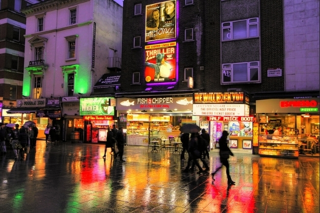 5 Songs About Rainy London