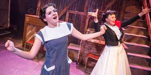 See Three Judy Garlands On Stage