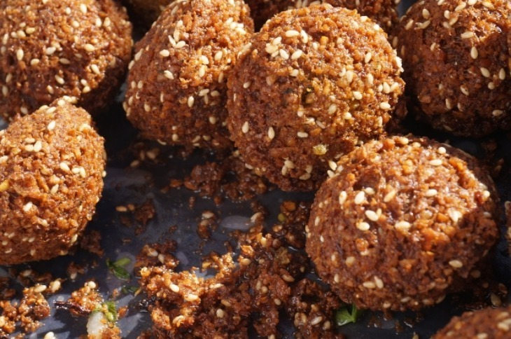 Best vegan street food stalls in London: try the falafel at Hoxton Beach.