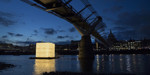 Light-Up Cube Parks At Thames