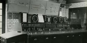 Photos from inside the Edgware Road signal cabin