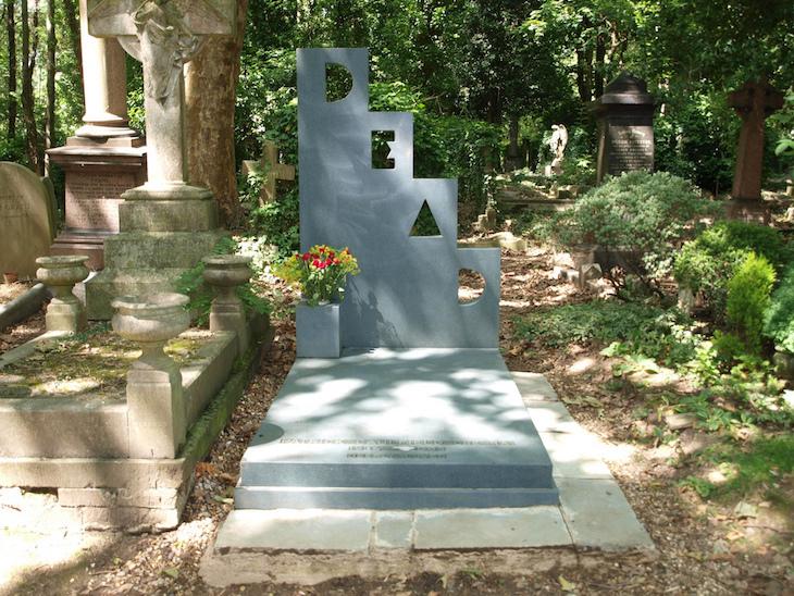 Secrets Of Highgate Cemetery