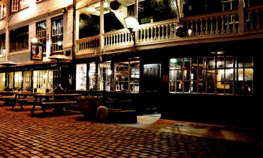The 10 Best London Pubs For A Secret Rendezvous