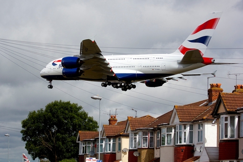 London News Roundup: Heathrow Is Go