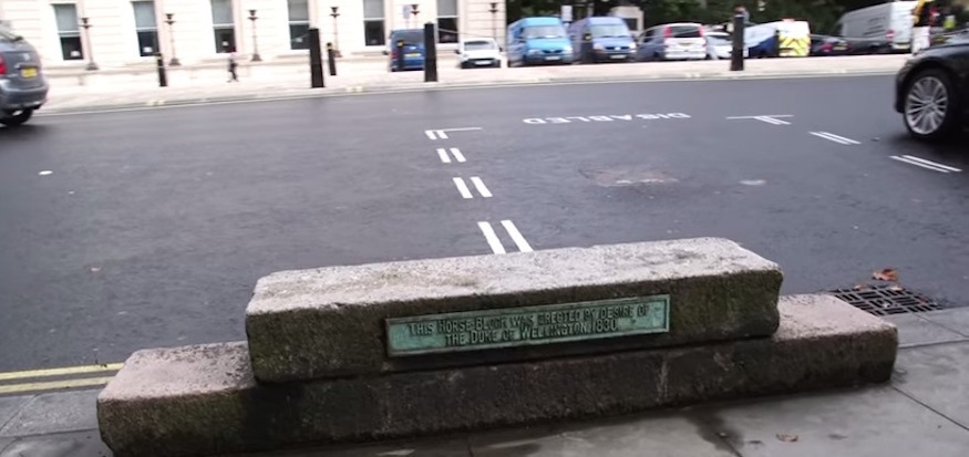 Ever noticed these funny steps in Waterloo Place? This is what they're for