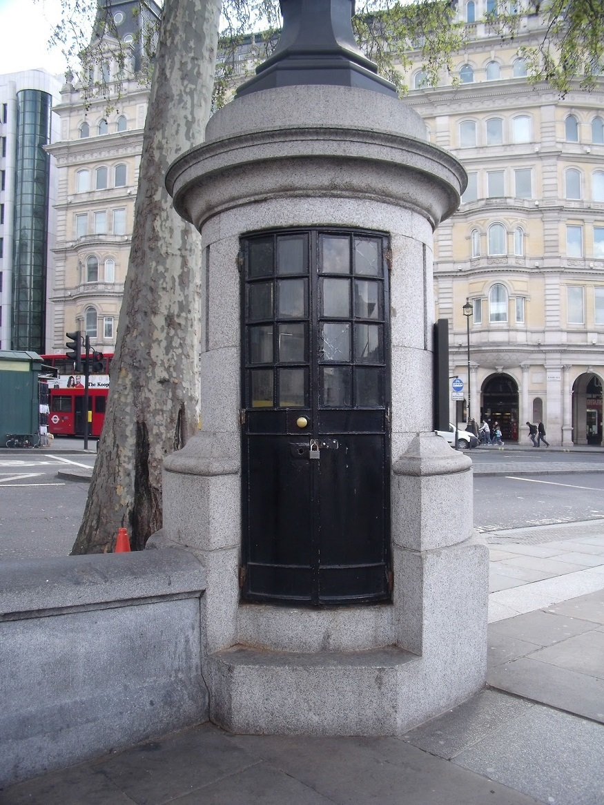 London's smallest police station isn't where you probably think it is