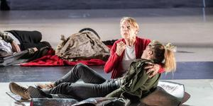 The Glenda-Bender: Jackson Is A Magnificent King Lear