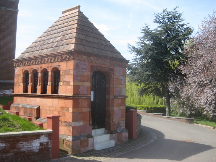 5 Things You Didn't Know About West Norwood Cemetery