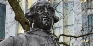 See London's Only Boss-Eyed Statue